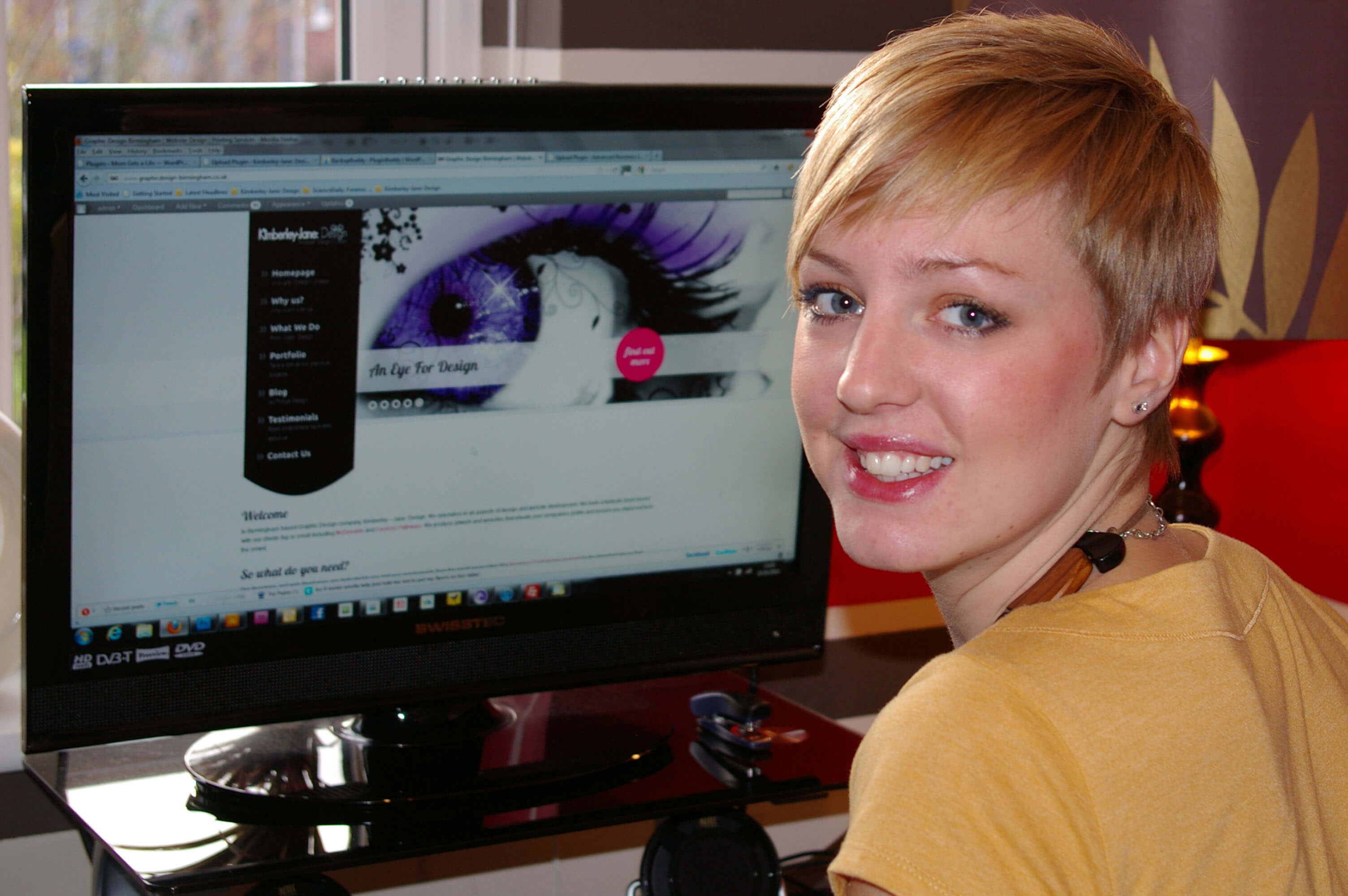 Kim - Managing director developing a website